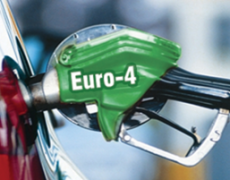 Топливо «Евро-4» может получить еще год жизни